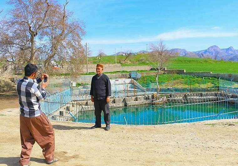 چشمه آب گرم ایوب پیغمبر
