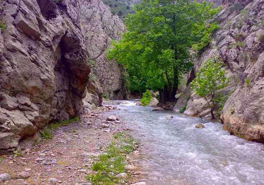 دره فرسایشی و آبشار قره سو