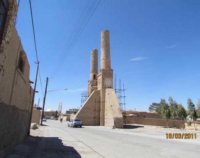 مناره های مسجد نظامیه