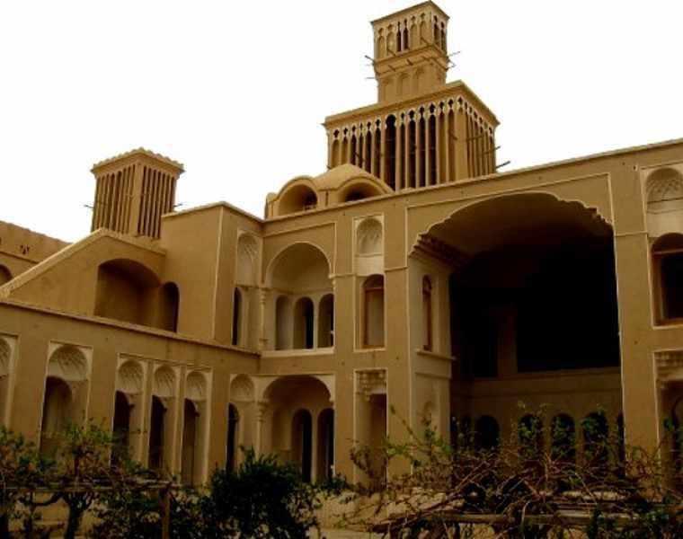 خانه ی آقازاده