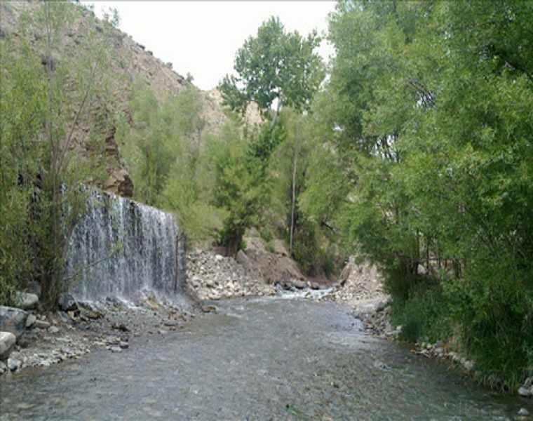 رودخانه چشمه عروس