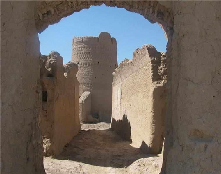 قلعه دهگود