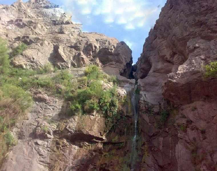 آبشار دره ای ابسر رابر