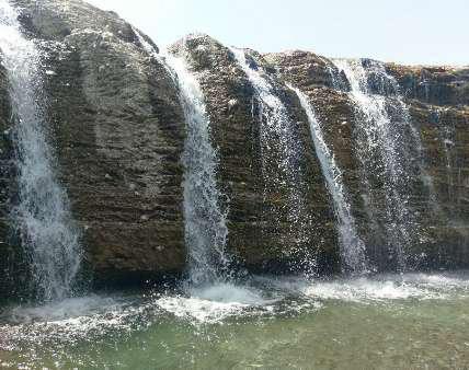 آبشار اسفند ایرانشهر