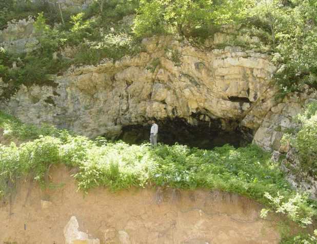 مجمومه غارهای کیارام، از قدیمی ترین غارهای ایران