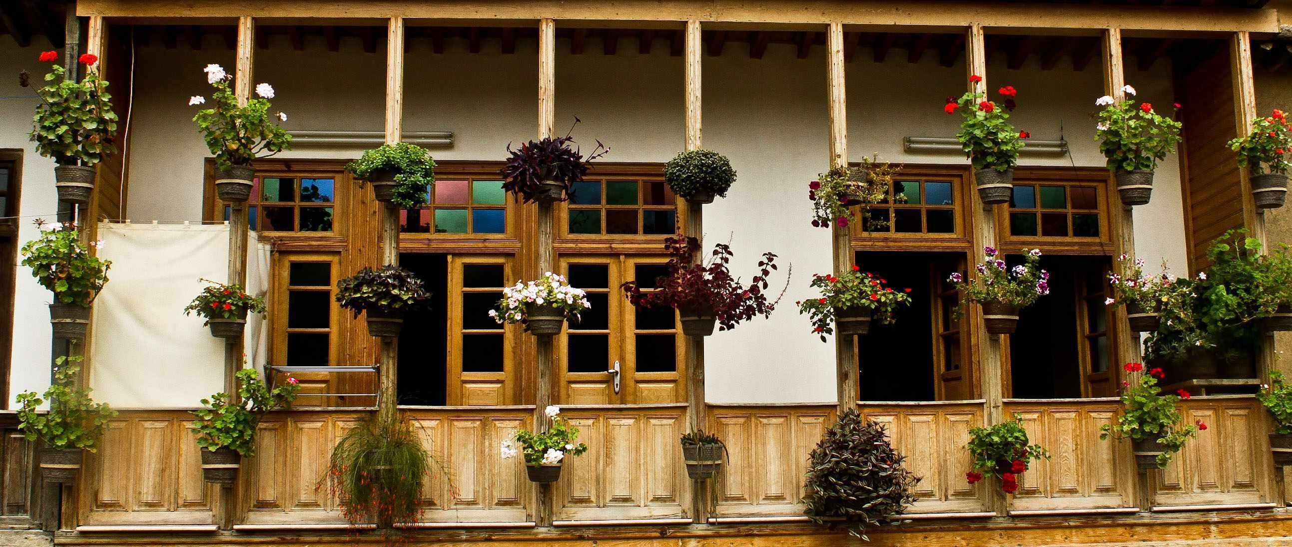 ماسوله؛ دیار خانه های زرد رنگ و گلدان های شمعدانی