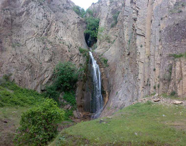 آبشار وزنه سر، نگینی در قلب طارم زنجان