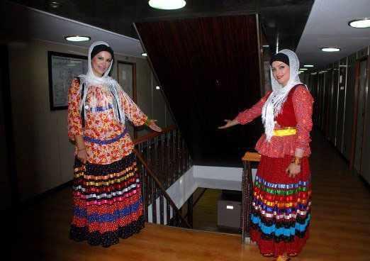 کشتی مسافری-تفریحی میرزا کوچک خان جنگلی