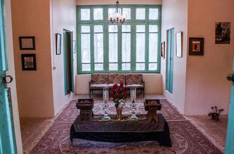 خانه مصدق، قلعه احمدآباد