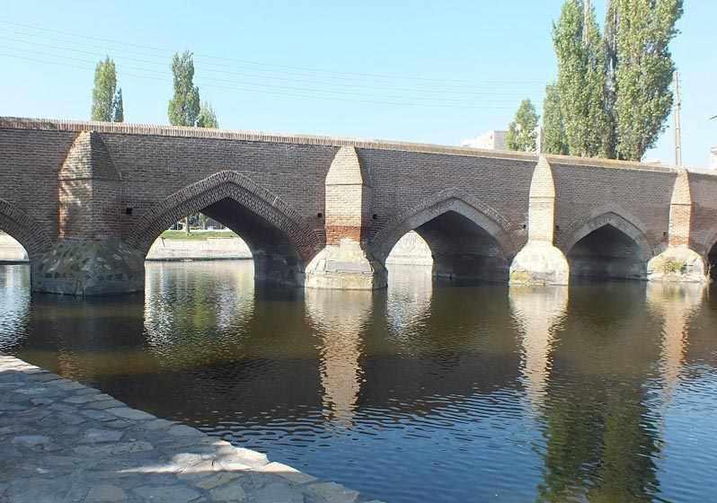 پل پنج چشمه( بش گوزلی کورپی) بناب