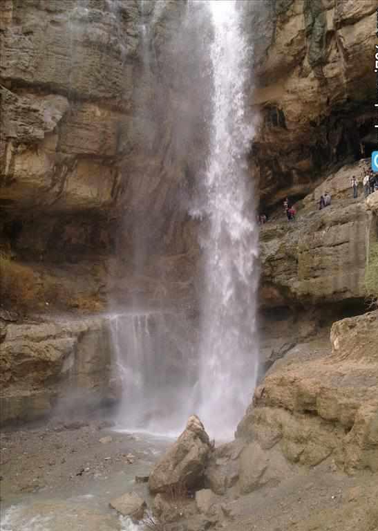آبشار سرکند دیزج در شبستر