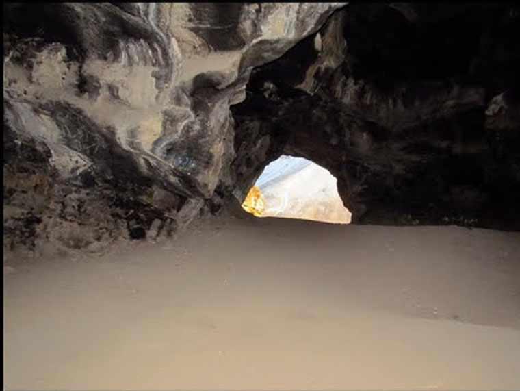 غار کبوتر یا هامپوئیل، از منحصر به فرد ترین غارهای ایران