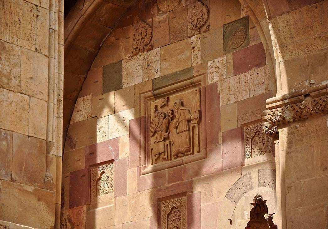 کلیسای سن استپانوس جلفا، عبادتگاهی زیبا در قلب کوهستان