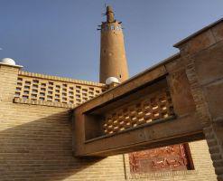 مناره گلپایگان، فانوسی در پهنه صحرا