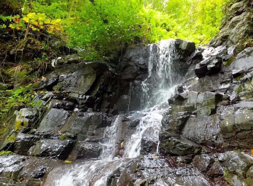 آبشار لونک، آبشاری در ییلاقات زیبای گیلان