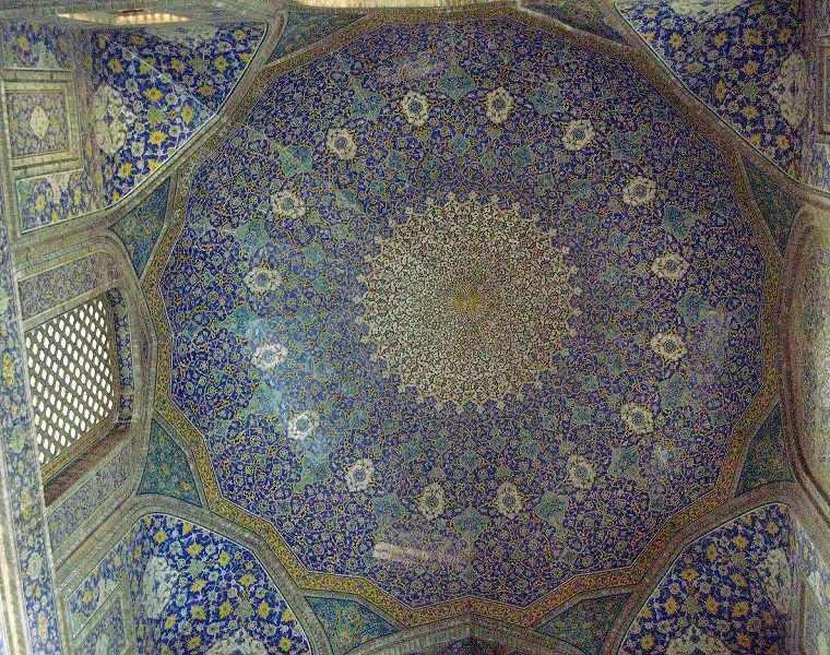 مسجد امام اصفهان، شاهکار آبی رنگ صفوی