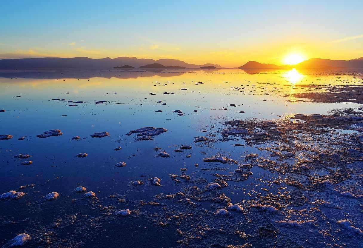 دریاچه بختگان نی ریز کجاست؟
