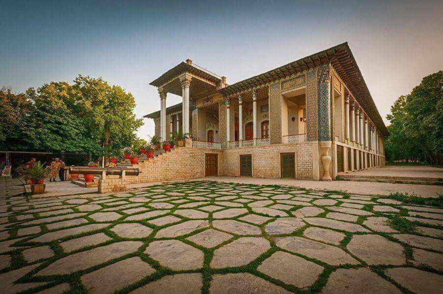 باغ و موزه نظامی عفیف آباد