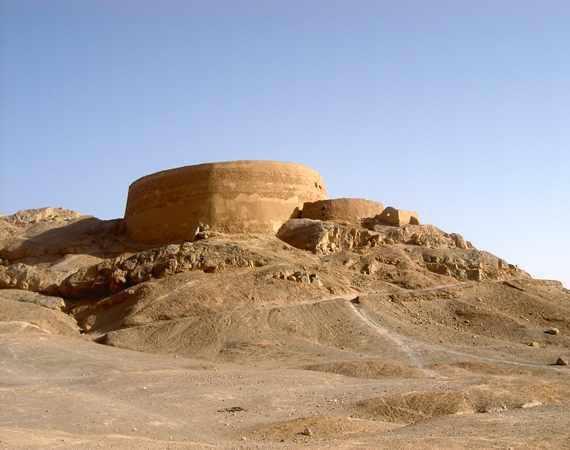 دخمه زرتشتیان، برج خاموش یزد