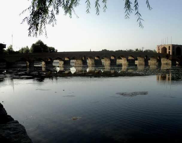 پل شهرستان، قدیمی ترین پل زاینده رود