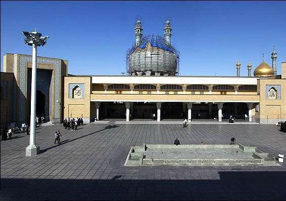 مسجد اعظم قم، صاحب عظیم ترین لوستر جهان