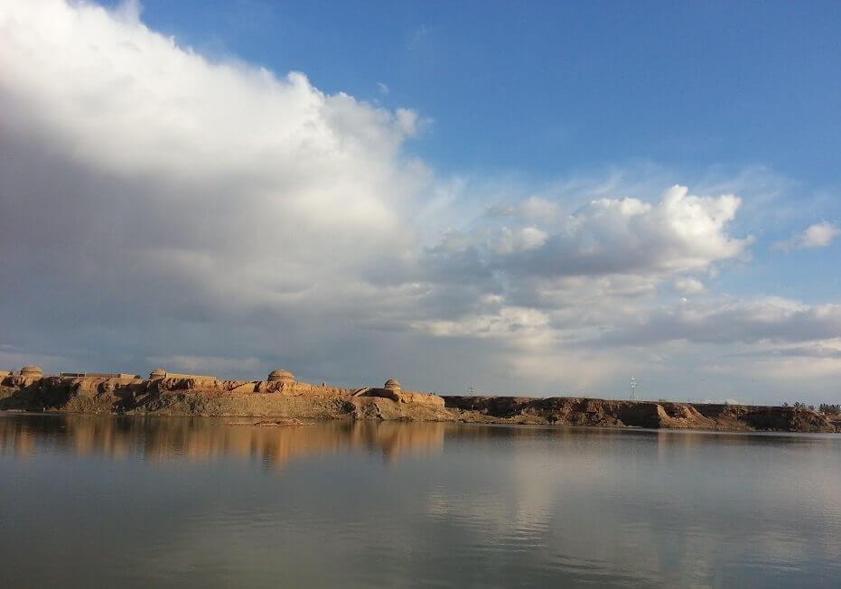 گواب، دریاچه ای میان کویر