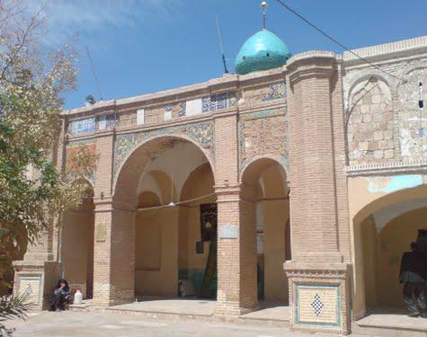 آستان شش امامزاده قمرود، نمایی از تاریخ کهن