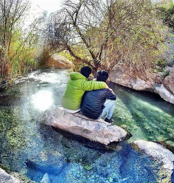 چشمه گلابی