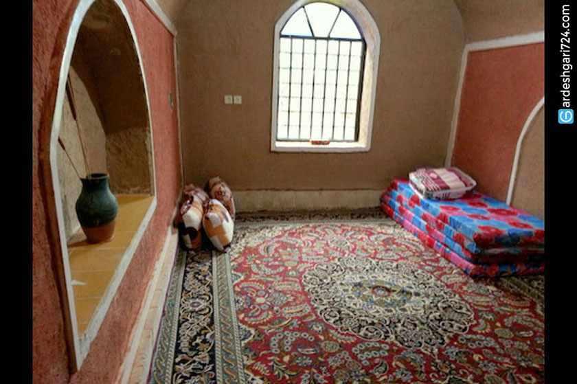اقامتگاه بومگردی عمونوروز طبس