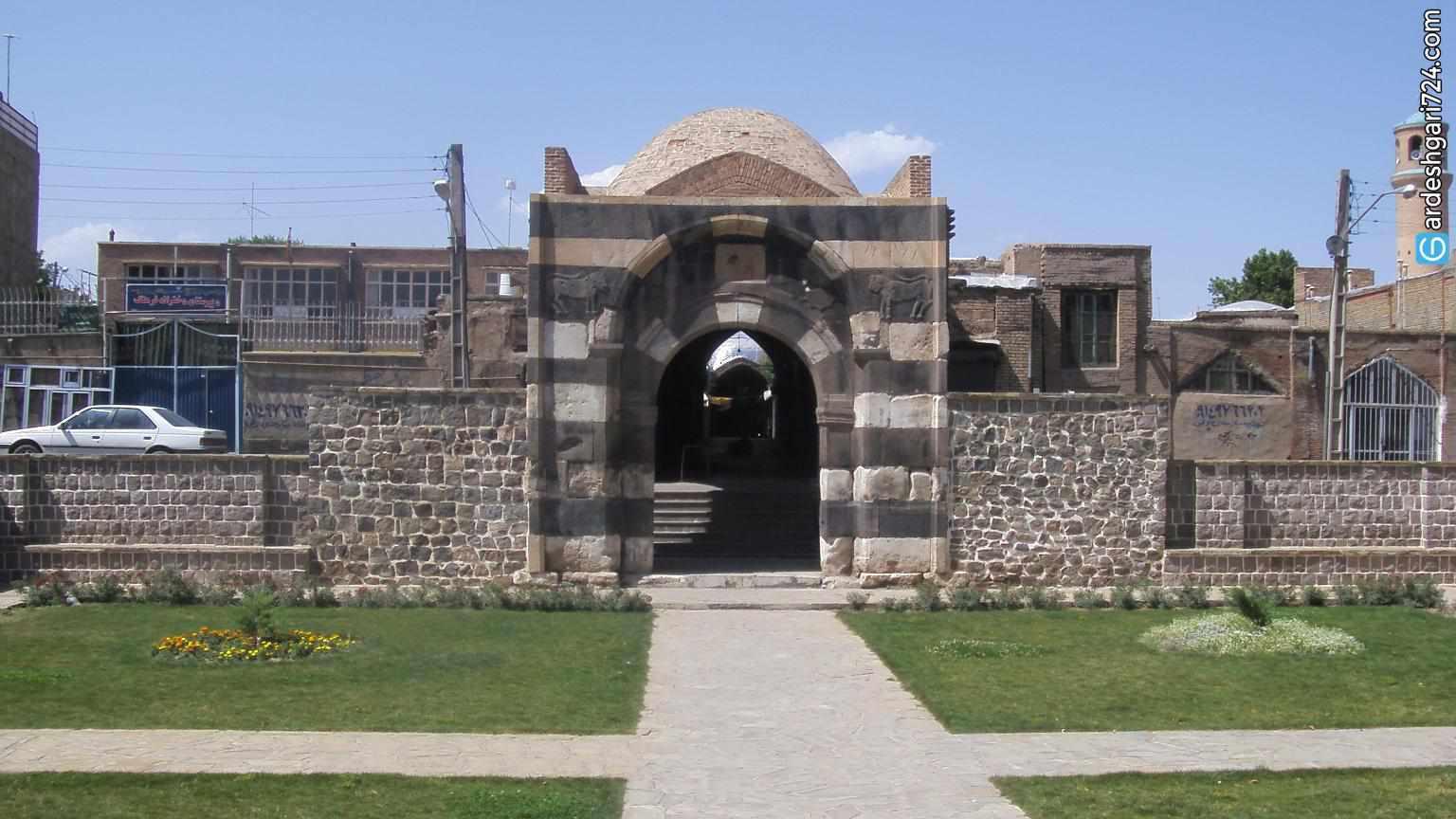دروازه سنگی خوی