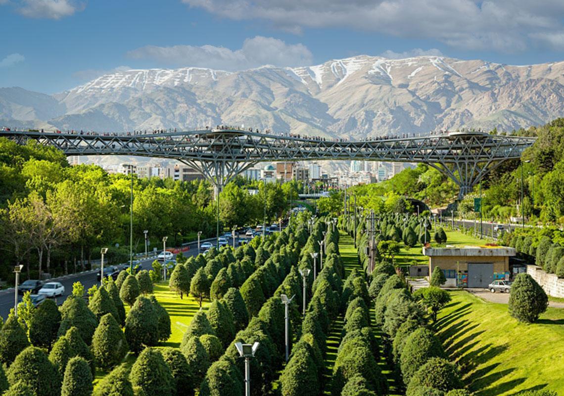 پل طبیعت تهران کجاست