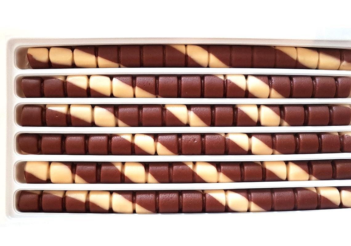 سوغات تبریز شکلات تسبیحی